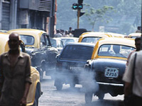 Smoke spewers duck green law but no one stops them in Kolkata