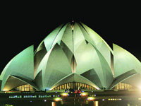 Iconic Lotus Temple turning yellow due to pollution