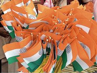 After Bombay HC order, cloth will replace plastic tricolour flags from this I-Day onwards