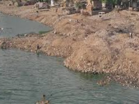 Polluted Sabarmati drowns rescuers in boils, rashes
