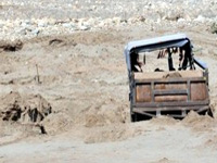 Sand mining: Three lorries, earthmover detained