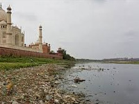 Yamuna pollution threatens Taj: Parliamentary panel
