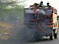 Centre eyes green funds to scrap polluting old trucks