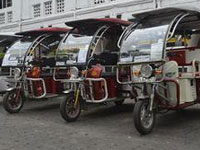 Eco-friendly transport in Kolkata's Fort William